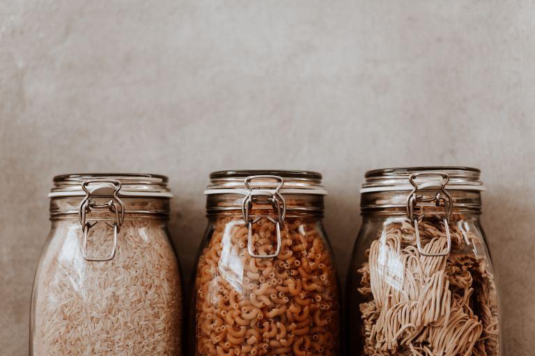 Ποια τρόφιμα δεν πρέπει να λείπουν από την κουζίνα σας;   vita.gr