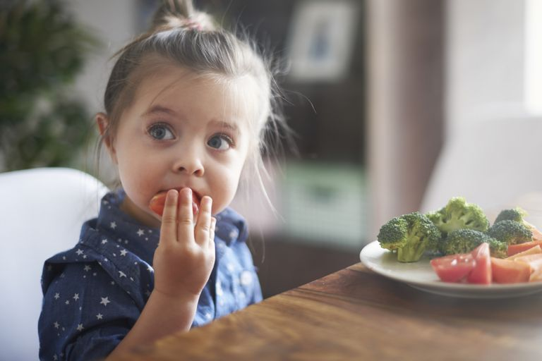 Παιδί: Είναι υγιεινό να νηστεύει; | vita.gr