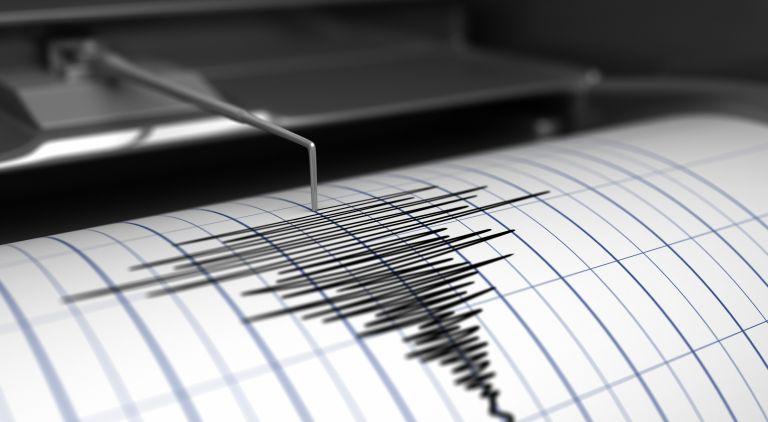 Δημοτικό σχολείο Δαμασίου: Σε κατάρρευση το εσωτερικό του από το σεισμό – Αποκαλυπτικά στιγμιότυπα | vita.gr