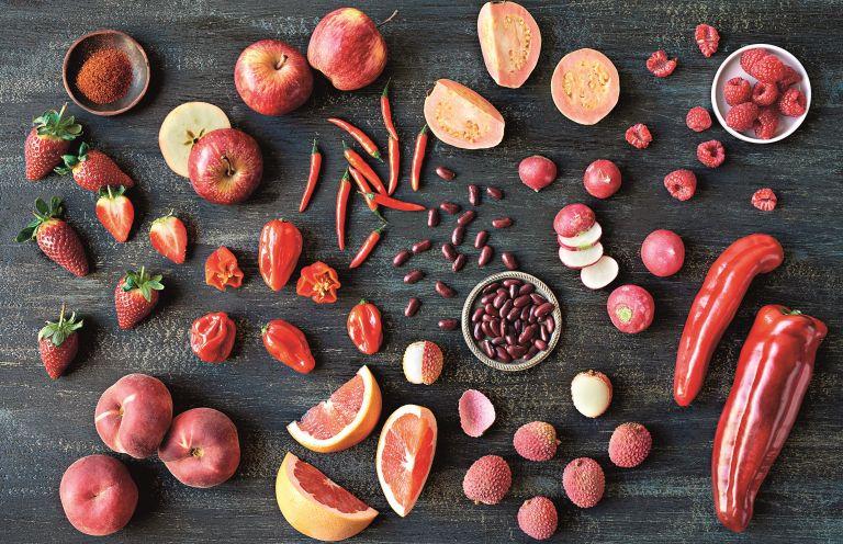 Τι μας προσφέρουν τα κόκκινα τρόφιμα; | vita.gr