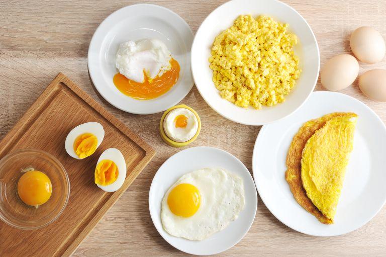 Αυγά: Η τεχνική για να τα καθαρίσετε στην στιγμή | vita.gr