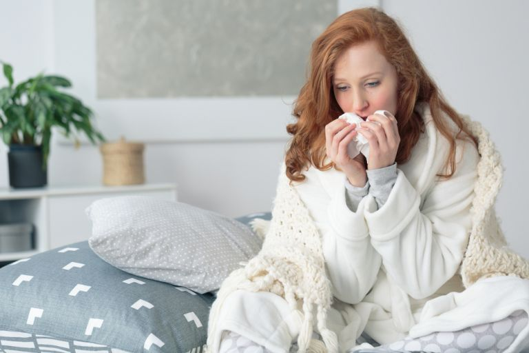 Το κοινό κρυολόγημα μπορεί να προστατεύει από τον κοροναϊό | vita.gr