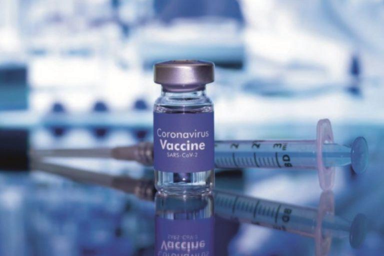 COVID-19: Εξι μύθοι για το εμβόλιο που καταρρίπτει η επιστήμη | vita.gr