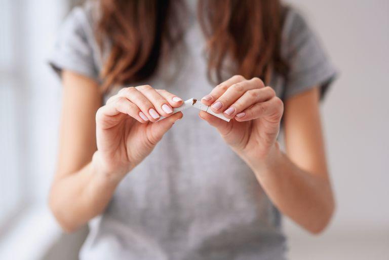 Παθητικό κάπνισμα: Αυξάνει κατά 51% τον καρκίνο του στόματος | vita.gr