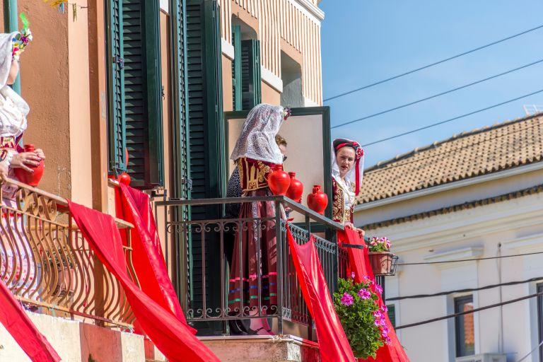 Πάσχα: «Σκαρφαλώνει» ο υδράργυρος μέχρι την Κυριακή | vita.gr