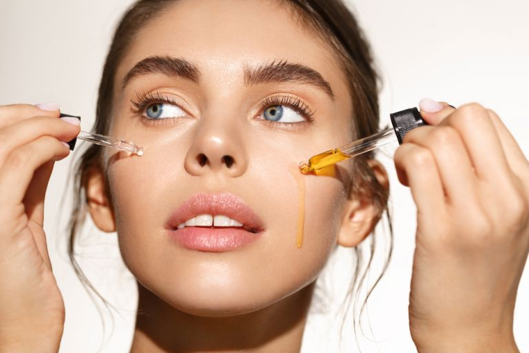 CBD Oil: Τα 5 οφέλη του στο δέρμα και τα μαλλιά | vita.gr
