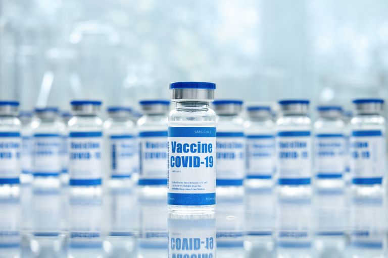Covid-19: Μήπως χρειάζεστε μόνο μία δόση εμβολίου; | vita.gr