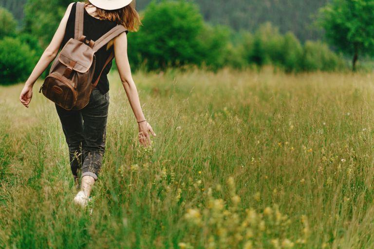 Διαλογισμός : Πώς θα τον εντάξετε στους περιπάτους σας | vita.gr