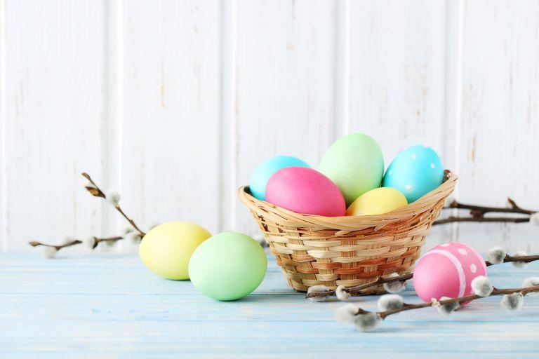 Βάφουμε πασχαλινά αβγά | vita.gr