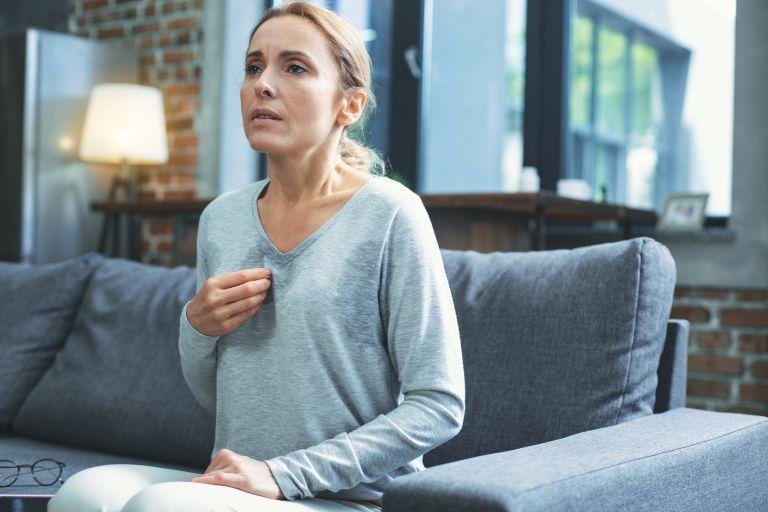 Εμμηνόπαυση: Νέα μελέτη αποκαλύπτει τα ψυχικά της συμπτώματα | vita.gr