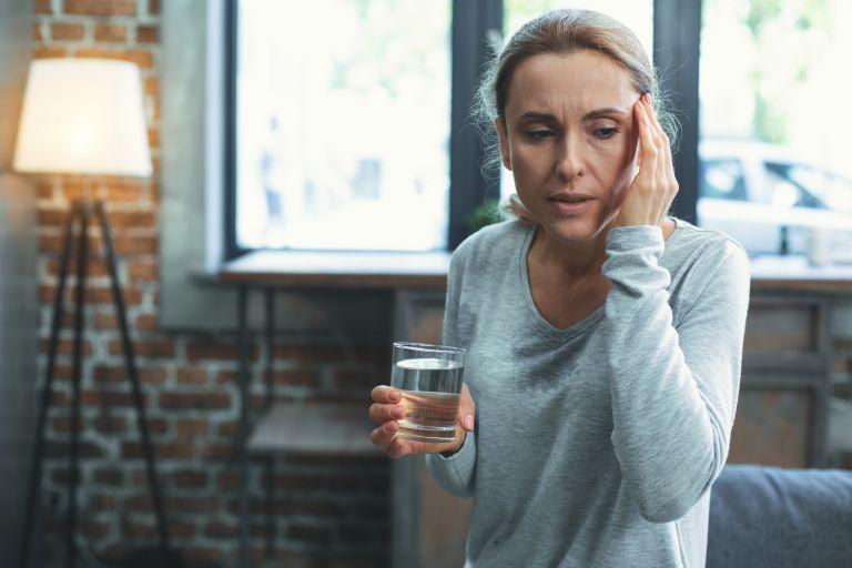 Εμμηνόπαυση: Έτσι θα ανακουφιστείτε από τα συμπτώματα | vita.gr