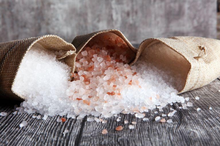 Αλάτι: Μήπως τρώτε πολύ; Οι ενδείξεις που θα σας προειδοποιήσουν   vita.gr