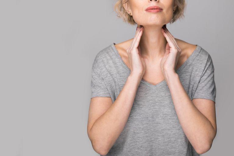 Θυρεοειδής: Τα δερματικά συμπτώματα ότι δεν λειτουργεί ομαλά | vita.gr