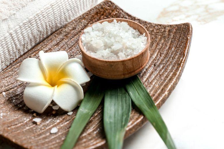Φυσικές συνταγές ομορφιάς με αλάτι | vita.gr