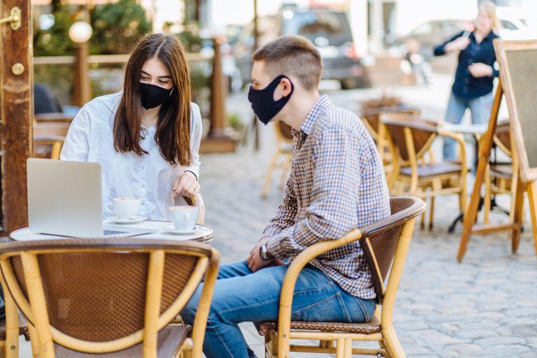 Κοροναϊός: Έρχονται προνόμια για τους εμβολιασμένους – Σενάρια για εστιατόρια, κινηματογράφους   vita.gr