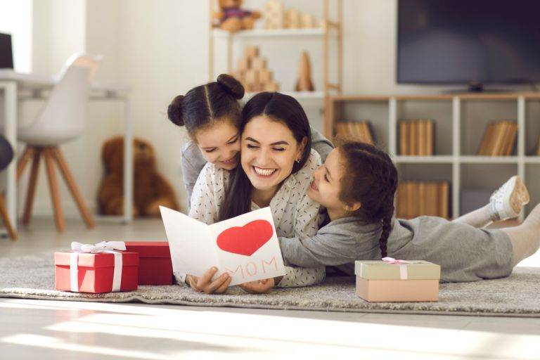Γιορτή της Μητέρας : Χρόνια πολλά σε όλες τις μαμάδες! | vita.gr
