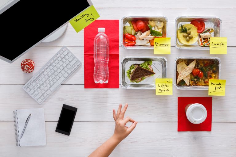 Φάγατε πολύ; Τα βήματα για να επανέλθετε άμεσα | vita.gr