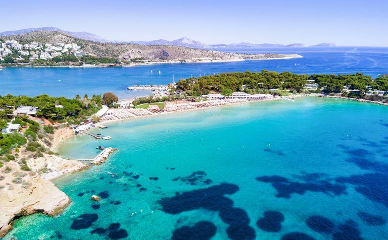 Αττική: Οι κρυμμένες παραλίες με τα σμαραγδένια νερά   vita.gr