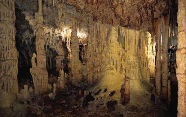 Ας γνωρίσουμε το σπήλαιο της Αλιστράτης | vita.gr
