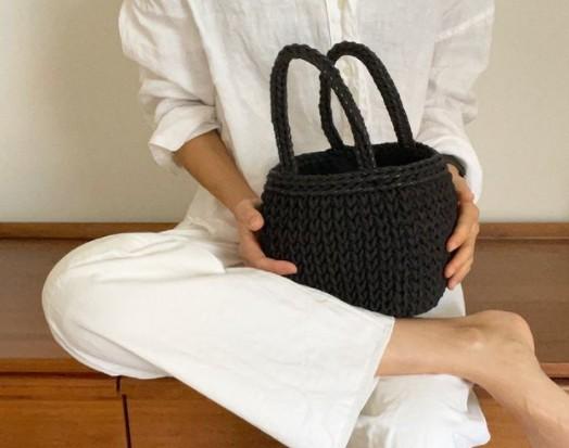 Αυτή η τσάντα είναι το «must-have» item του καλοκαιριού | vita.gr