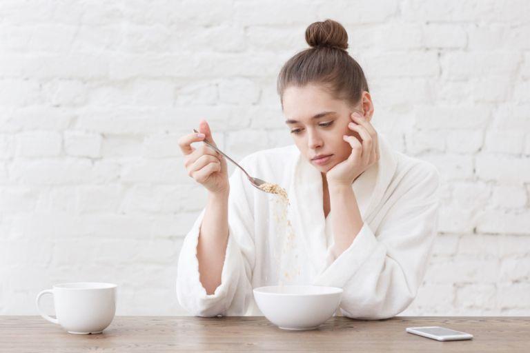 Νιώθετε κόπωση ή εκνευρισμό; Ίσως να φταίει η δίαιτα που ακολουθείτε | vita.gr