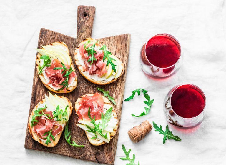 Δέκα υπέροχες ιδέες για αλμυρές και γλυκές μπρουσκέτες | vita.gr