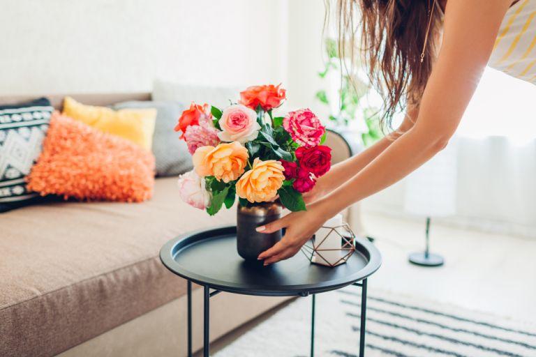 5 τρόποι για να διατηρούμε φρέσκα τα λουλούδια στο βάζο   vita.gr