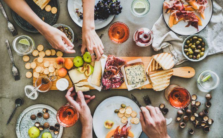 Λαχταριστά συνοδευτικά για το καλοκαιρινό μας τραπέζι | vita.gr