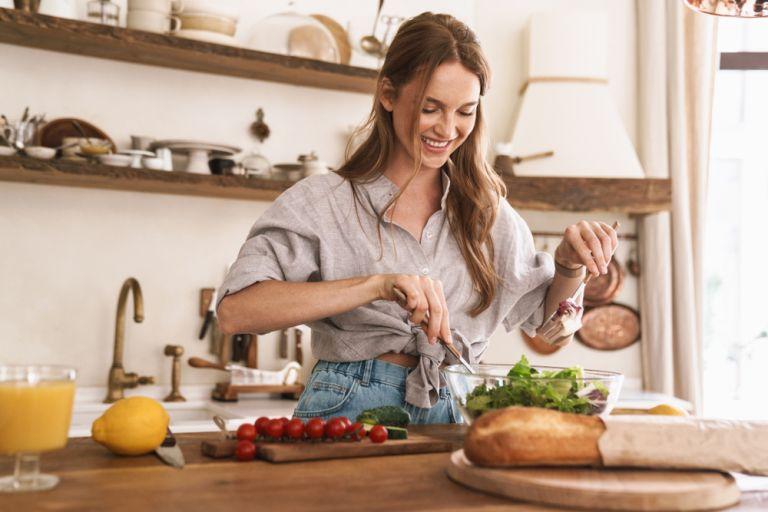 Τα μόνα tips που θα χρειαστείτε για χάσετε τα κιλά της καραντίνας | vita.gr