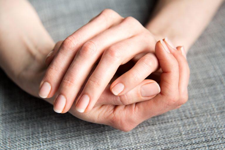 Τα σημάδια στα νύχια που δείχνουν ότι έχετε περάσει κοροναϊό   vita.gr