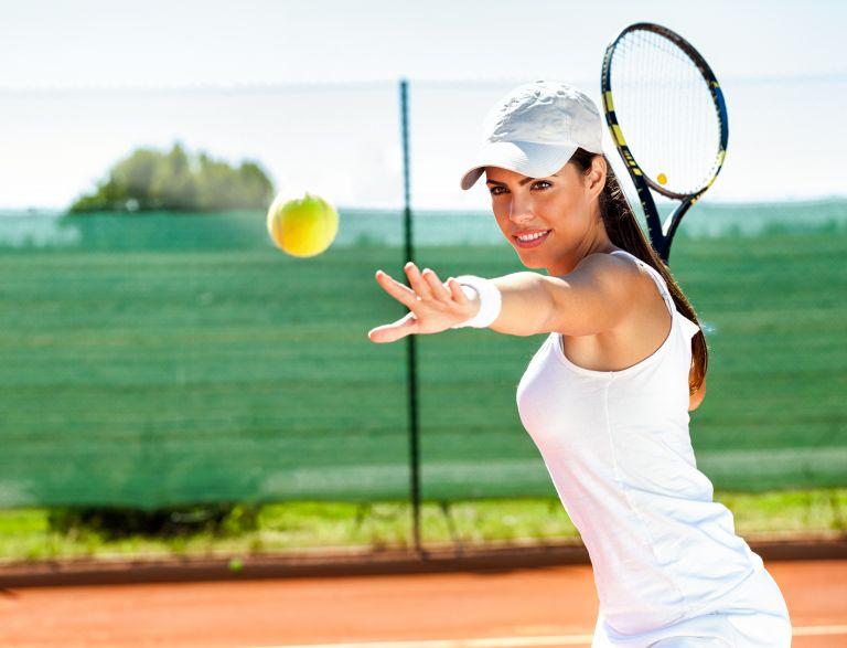 Τα οφέλη που θα σας πείσουν να ξεκινήσετε τένις | vita.gr