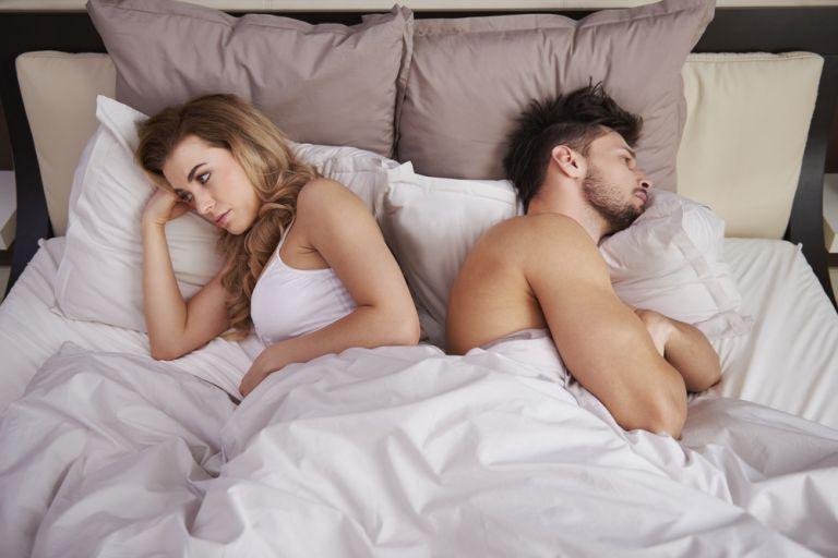 Υγιής σχέση: Ο τρόπος που κοιμάται το ζευγάρι αποκαλύπτει πολλά για τη σχέση του | vita.gr