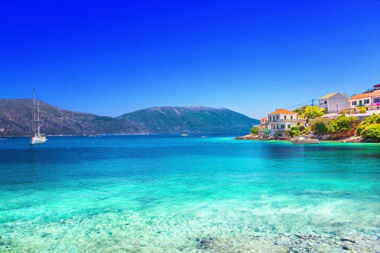 Οι 545 ελληνικές παραλίες με «Γαλάζια Σημαία» σε ένα κλικ   vita.gr