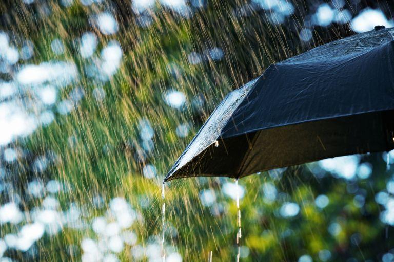 Καιρός: Τοπικές βροχές και σποραδικές καταιγίδες σήμερα | vita.gr