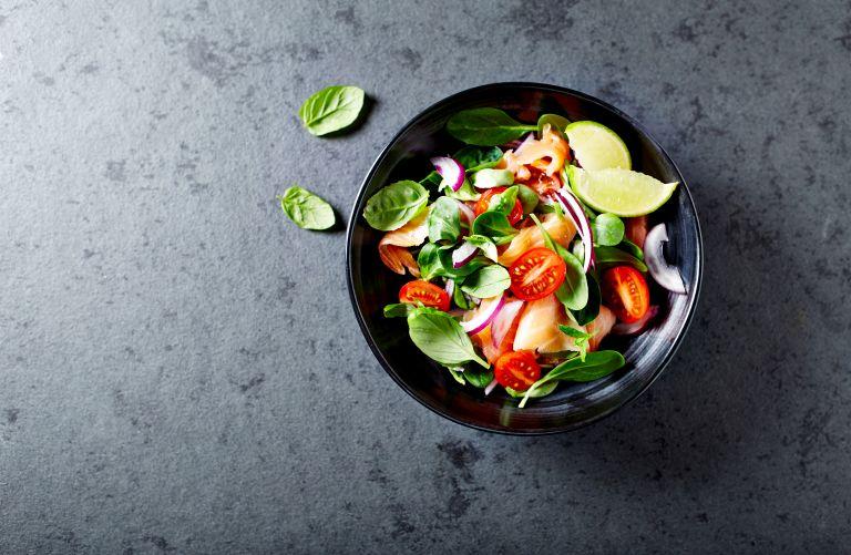 Πέντε συνταγές για σούπερ θρεπτικές καλοκαιρινές σαλάτες | vita.gr