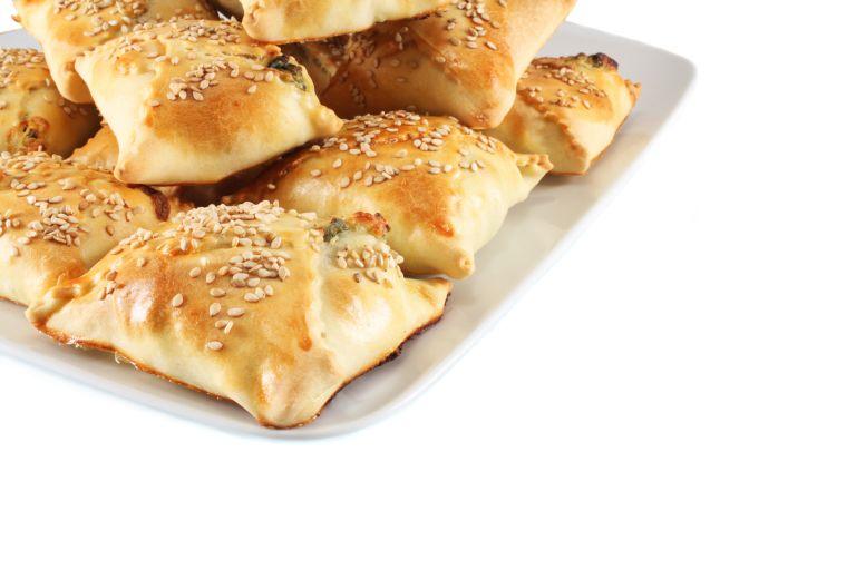 Σφακιανές πίτες και πεντανόστιμα κρητικά καλτσούνια | vita.gr