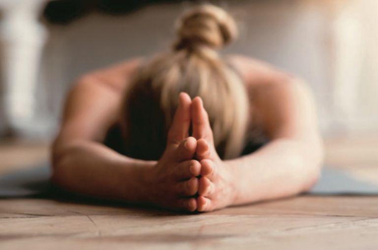 Pain relief: Οι απλές ασκήσεις που ανακουφίζουν από τον πόνο   vita.gr