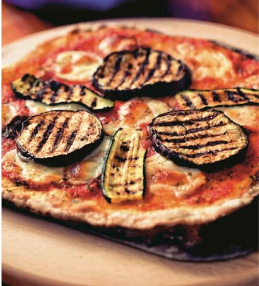 Θρεπτική πίτσα με κολοκυθάκια και μελιτζάνα | vita.gr