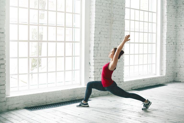 Yoga: Πώς μας βοηθά να αδυνατίσουμε;   vita.gr