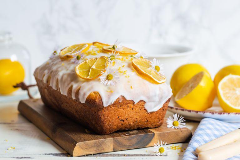 Δροσερό κέικ λεμονιού με γλάσο   vita.gr