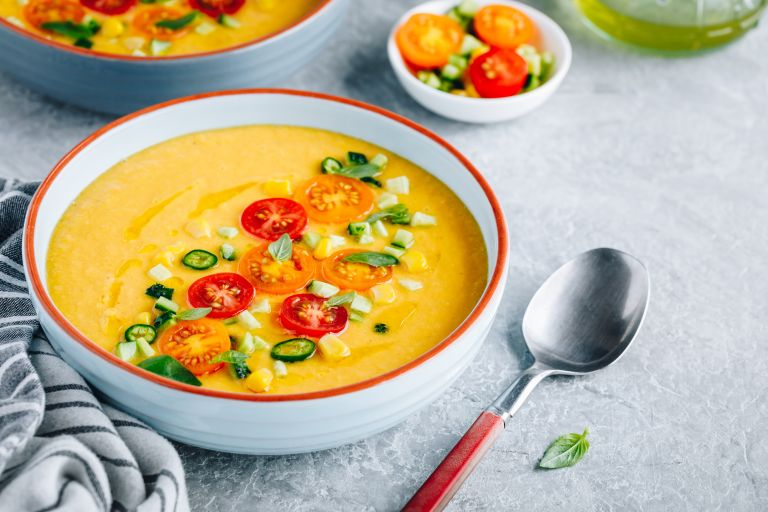 Κρύες σούπες: Θρεπτικές και ιδανικές για την καλοκαιρινή δίαιτα   vita.gr
