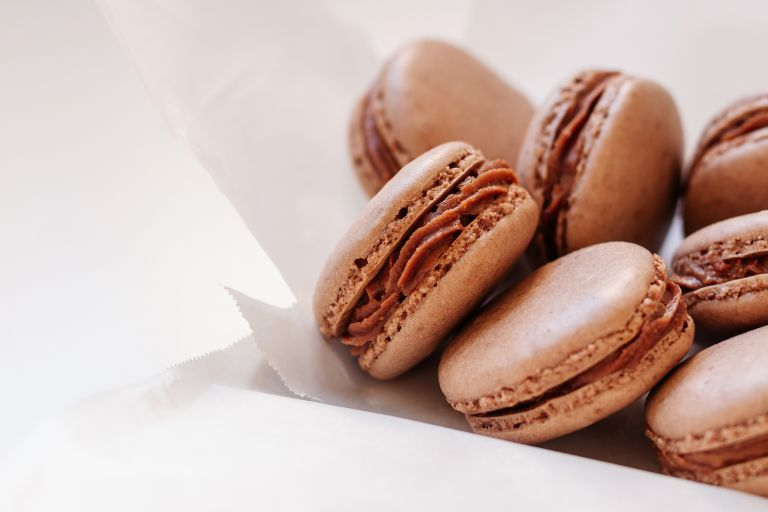 Γλυκά μακαρόν με κρέμα σοκολάτας | vita.gr