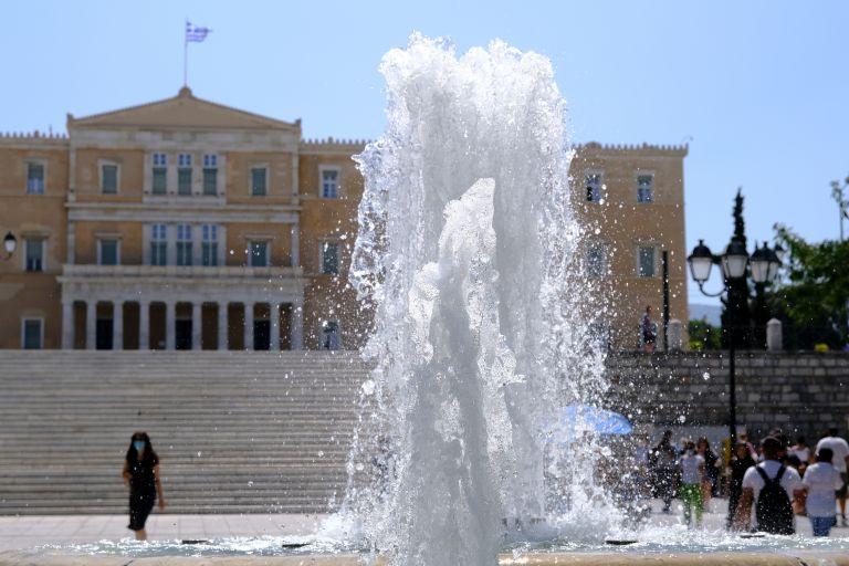 Καιρός: Ο καύσωνας και το ακραίο «ατμοσφαιρικό μποτιλιάρισμα» | vita.gr