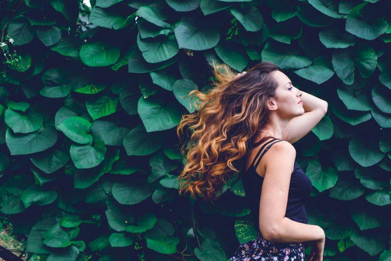 Πώς θα περιποιηθούμε σωστά τα βαμμένα μαλλιά μας;   vita.gr