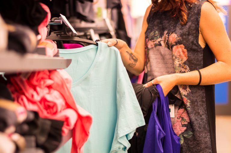 Ανοιχτά αύριο τα καταστήματα – Ποιο το ωράριο λειτουργίας | vita.gr