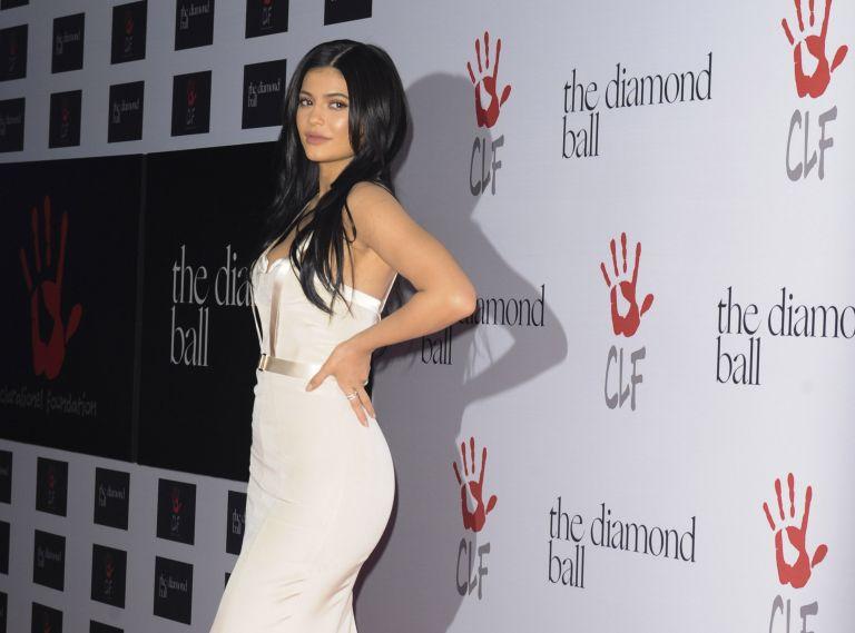 Τα μυστικά της Kylie Jenner για γεμάτα χείλη | vita.gr