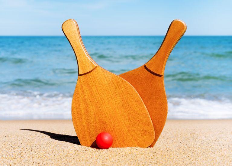 Ρακέτες στην παραλία για διασκέδαση στα ύψη | vita.gr