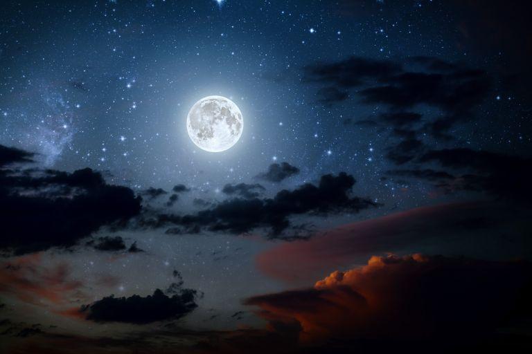 Αυτά είναι τα πιο παράξενα φεγγάρια στο ηλιακό μας σύστημα   vita.gr