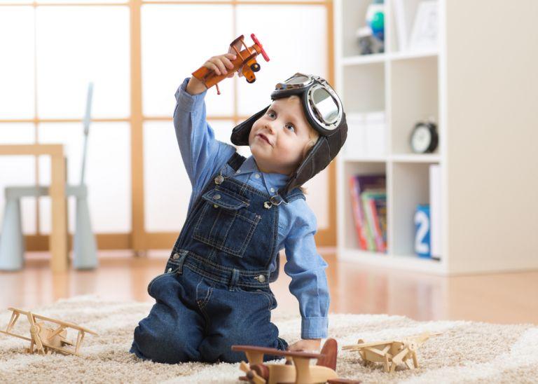 Μαθαίνοντας στο παιδί να παίζει μόνο του | vita.gr