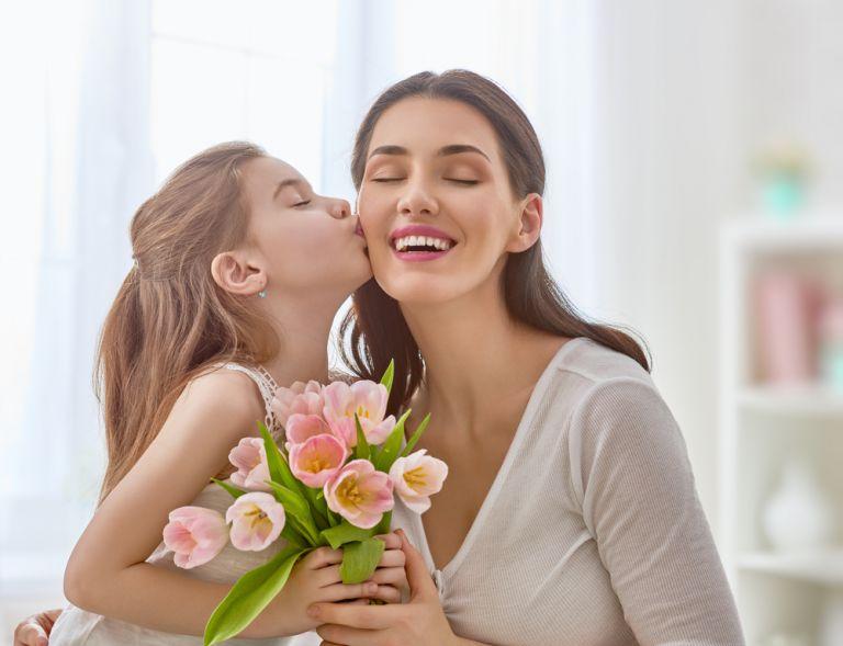 Πώς θα μεγαλώσουμε ευγενικά παιδιά; | vita.gr
